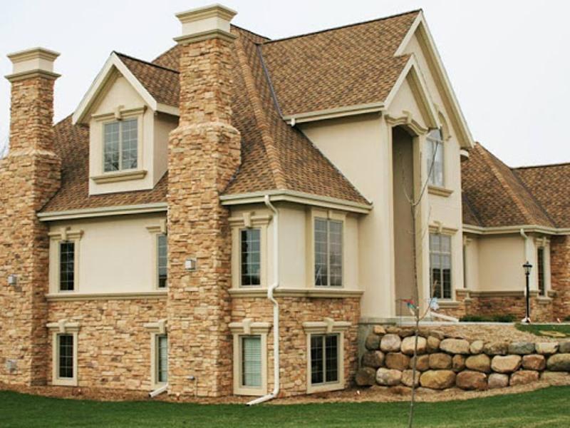 Фото дома с частичной облицовкой песчаником