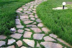 Портфолио-Мощение дорожек природным камнем