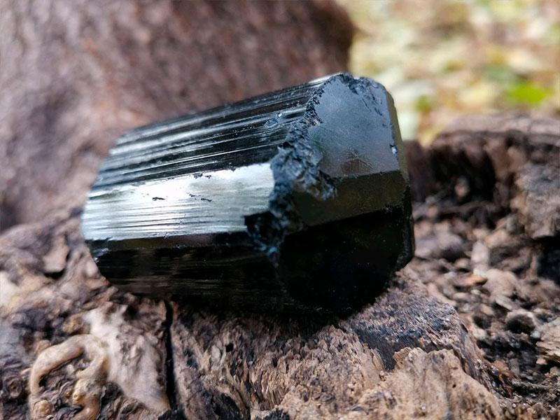 Черный натуральный камень