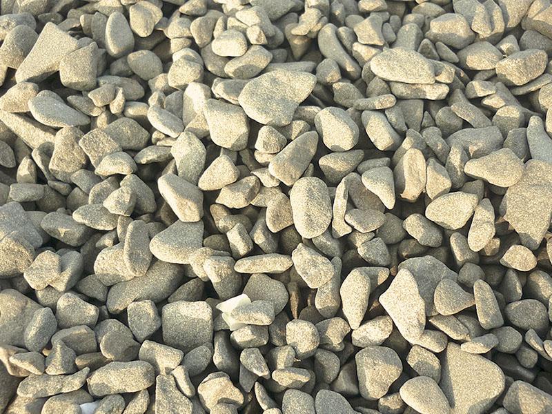 Галька галтованная из песчаника серо-бурого
