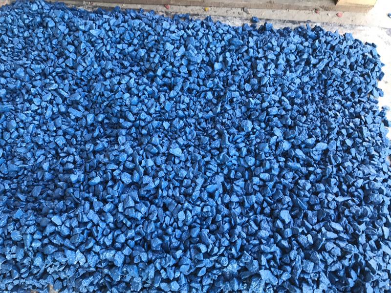 Окрашенная синяя каменная крошка из мрамора
