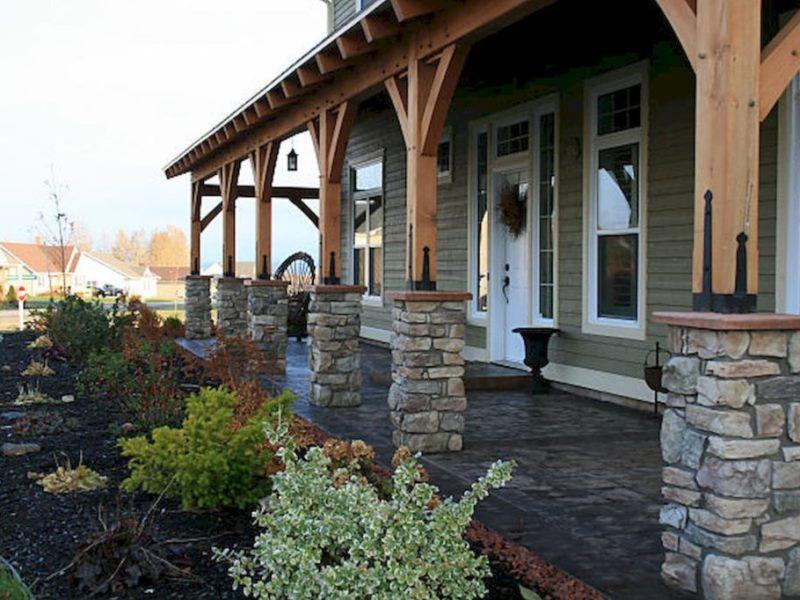 Фото дизайнерских колонн с облицовкой из натурального камня