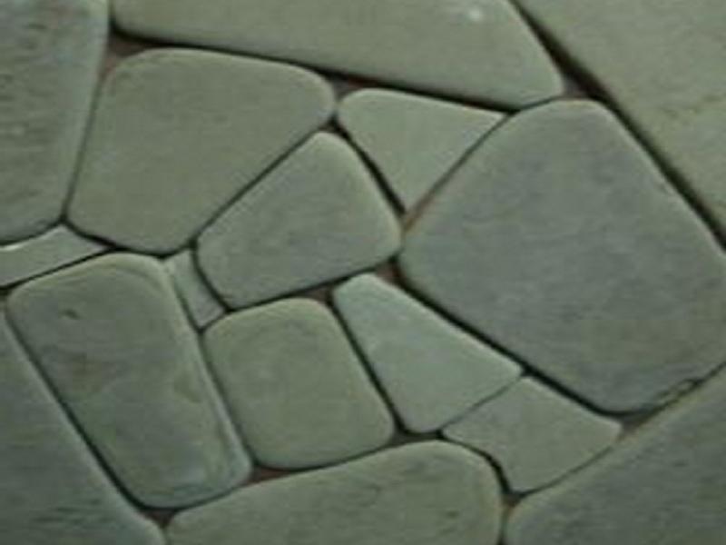 Песчаник светло-серый, серо-зелёный, серо-бурый галтованный
