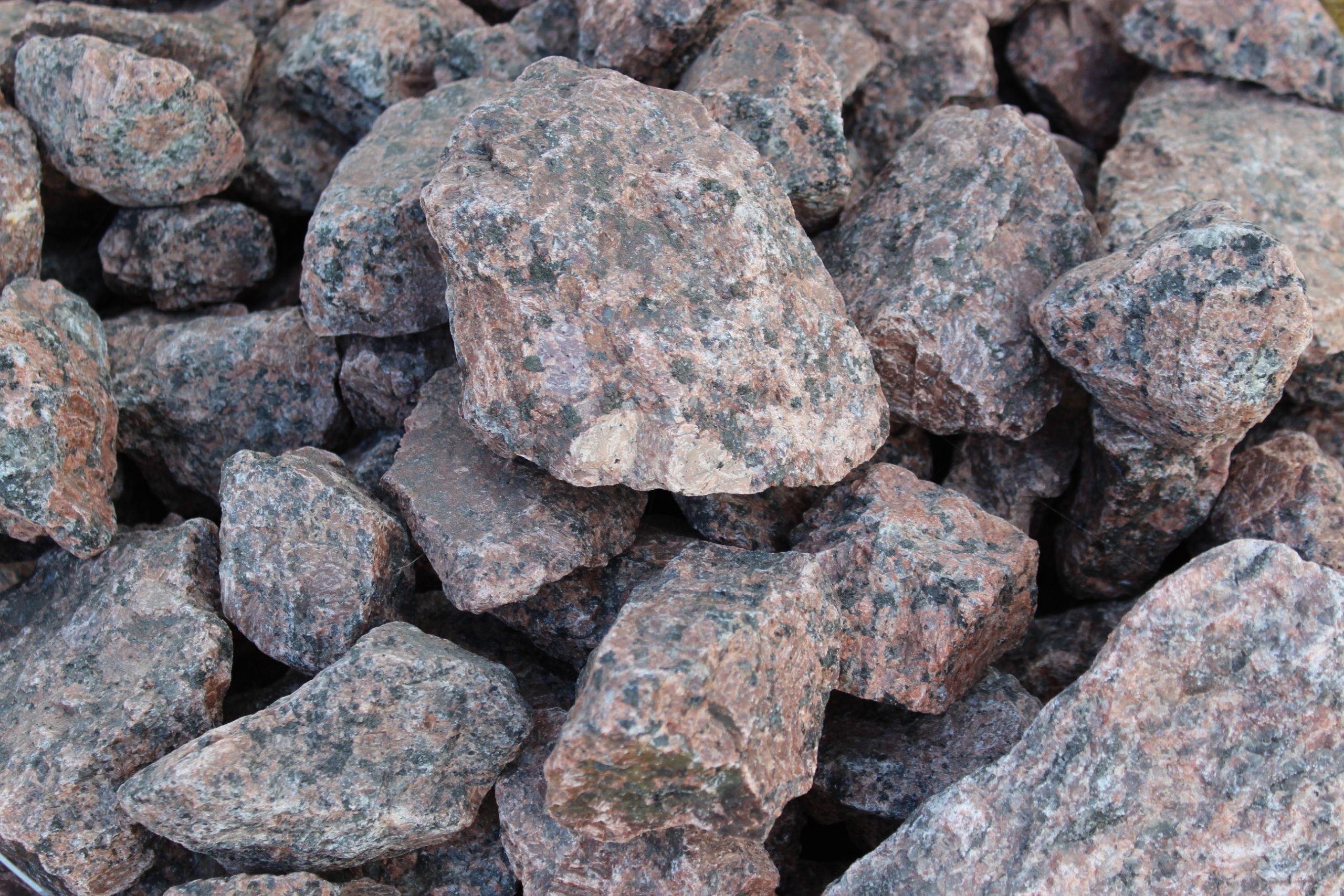 Камень для габионов окол гранитный красный